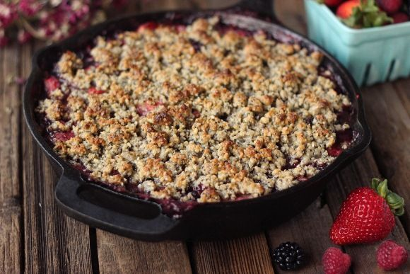 Grain-Free Mixed Berry Crisp (Vegan) | Free People Blog #freepeople  this looks very good... been looking for  a really good sounding gran free crisp for berries this summer