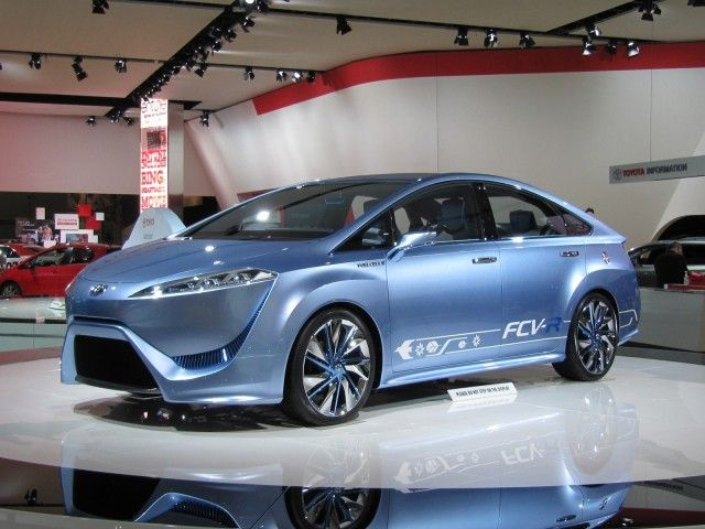 """Toyota: """"We'll Make Tens Of Thousands Of Hydrogen Cars In The 2020s"""", Gallery 1 - Green Car Reports"""