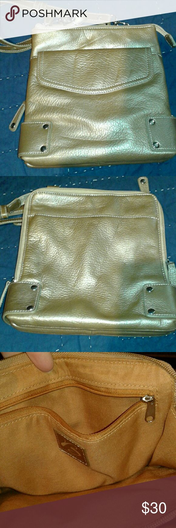 Selling this ⤵⬇⤵⤵NWOT.    B MAKOWSKI CROSSBODY BAG on Poshmark! My username is: llecroymott. #shopmycloset #poshmark #fashion #shopping #style #forsale #b. makowsky #Handbags