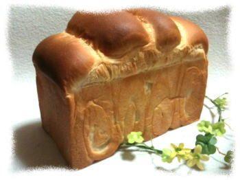 食パンレシピ♪非常に窯伸びの良い「リッチブレッド」 小さなパン職人*~Petit Boulanger~*