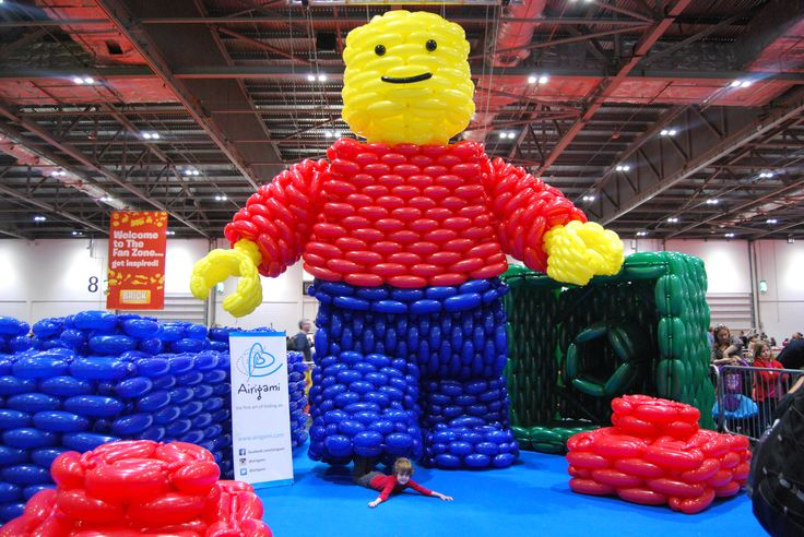 Our minifigure at BRICK 2014 made of balloons by Airigami