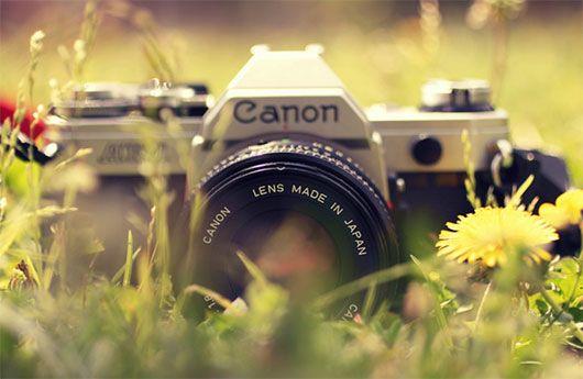 Lindo post de fotos de cámaras antiguas: http://www.noupe.com/photography/through-the-lens-emotive-portraits-revealing-cameras-souls.html /cc @María Pía Méndez