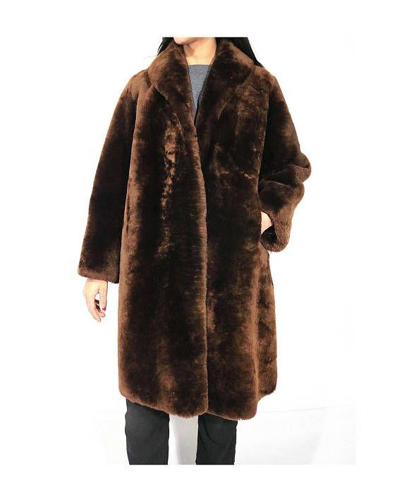 f943cc56ef7 👗 • 👔 • 👠 • Vintage women's faux fur teddy bear jacket. • Soft ...