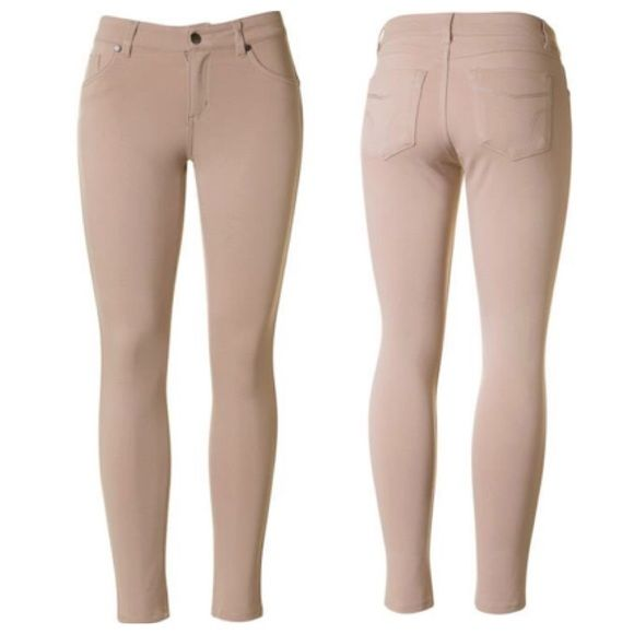Just In!! Light Khaki Jeggings Patched pockets back skinny pants with side pockets Width : 13''inches Full length : 33.5''inches Leg length : 24.5''inches 68% Rayon 27% Nylon 5% Spandex  Made in Vietnam Firm Price Naturally Spiritual Boutique Pants Skinny