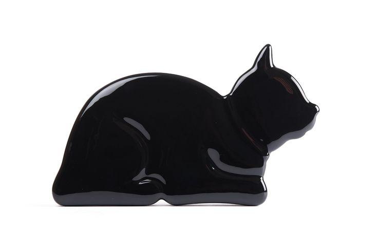 Ceramic radiator humidifier: crouching cat