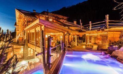 Panoramic outdoor swimming pool