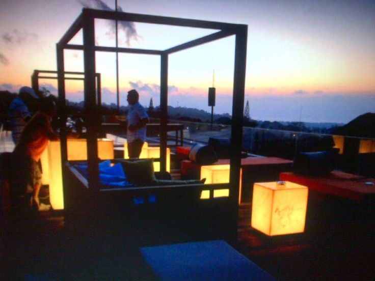 Www.tigadisvilla.com in Bali. Breath taking roof top sunset..