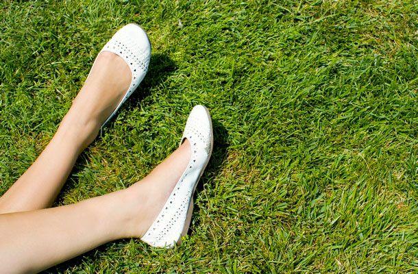 3 okos trükk, hogy ne törje fel a lábad az új cipő! | femina.hu