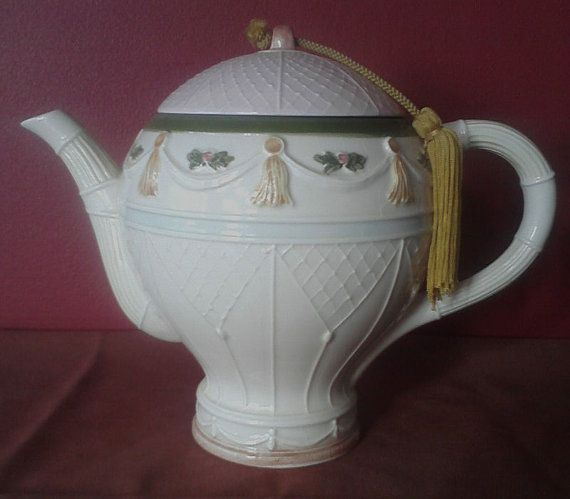 Hot air balloon teapot