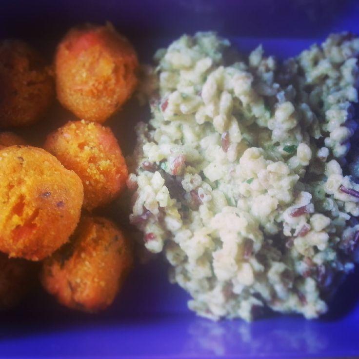 Polpette di carote al basilico e curry,5 cereali all'hummus di zucchine e prezzemolo...my BentoBox <3
