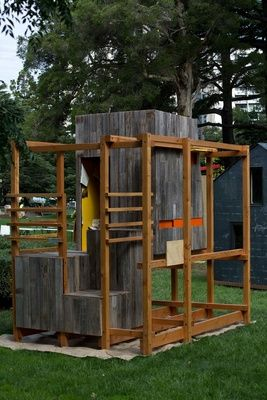 'Mini Giant' cubby house by Maddison Architects.