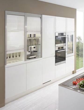 Elégant et fonctionnel, ce meuble armoire pour la cuisine - 40 meubles de cuisine maxi rangement - CôtéMaison.fr