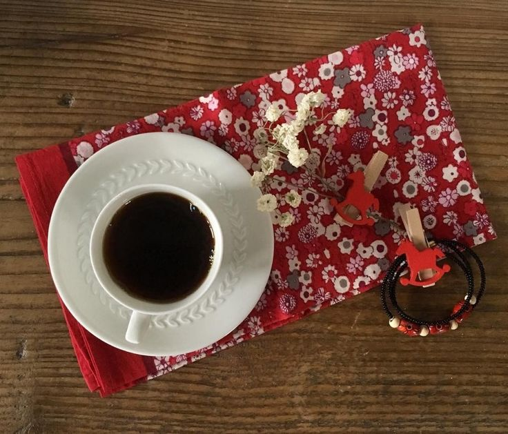 The Power of One, Little Black Coffee ☕️ #coffeeporn #mykopigram #jj_coffeebreak #jj_coffeetime #redmood #gf_stilllife #gs_stilllife #stilllife_perfection #still_life_gallery #still_life_mood #9vaga_coffee9 #mystory_cups #mystory_shots #shutter_memory #super_details_channel #your_life_etc #thehub_details #rsa_ladies #weekendwithtextures #vivodiparticolari #country_stilllife