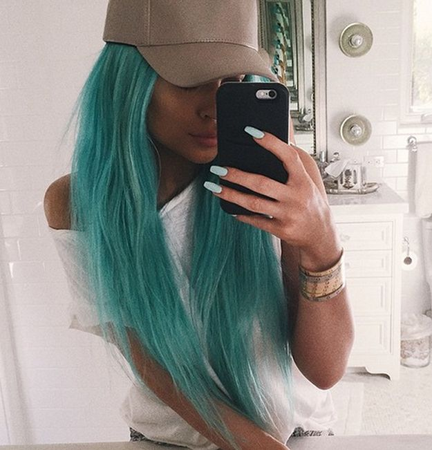 OMFG. | Kylie Jenner's New Hair Is Her Most Extreme Look Yet