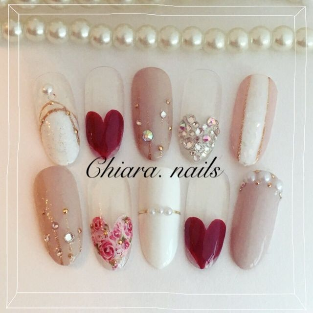 LOVEEE these hearts and complementing nails