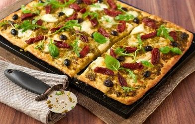 Tonight's Dinner: Slow Baked Tomato, Basil & Mozzarella Pizza - Make it Sing with Sacla' Pesto.