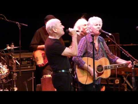 ▶ Graham Nash & Allan Clarke (former Hollies) sing Bus Stop with David Crosby - YouTube