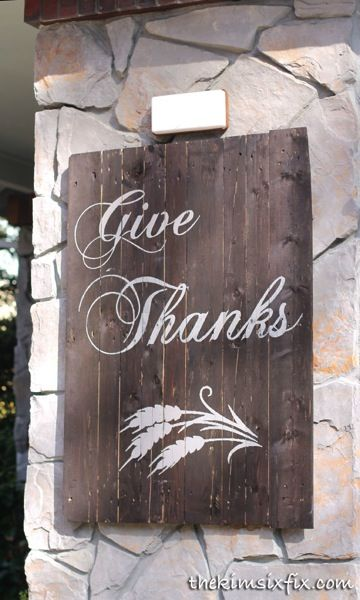 How to Make a Pallet Wood Sign  (Give Thanks for Thanksgiving) Stenciled with vinyl stencils cut on a Silhouette via www.TheKimSixFix.com