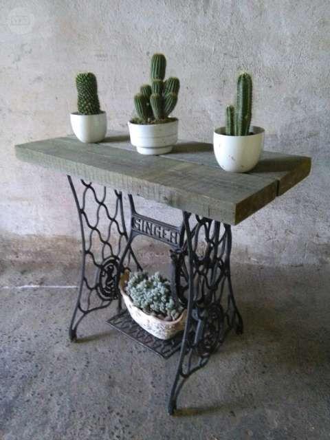 17 mejores ideas sobre m quinas de coser antiguas en - Muebles con tabla de planchar ...