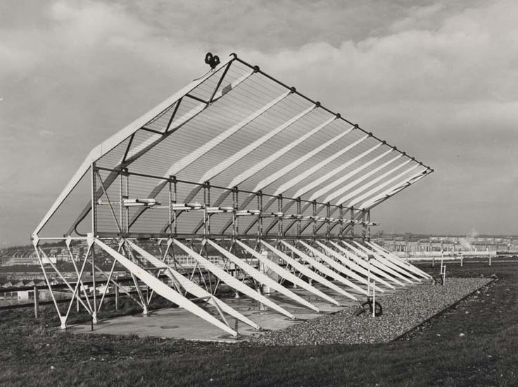 Luton airport STAN.37 I.L.S. [instrument landing system] localizer aerial array, 1969. IET Archives NAEST 211/02/24/03 V.683