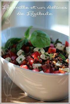 La meilleure recette de ~Salade de lentilles à la méditerranéenn~! L'essayer, c'est l'adopter! 0.0/5 (0 votes), 0 Commentaires. Ingrédients: ~Ingrédients pour les lentilles  750 ml (3 tasses) d'eau  180 ml (3/4 de tasse) de lentilles vertes du Puy ou de lentilles françaises  3 gousses d'ail  1 feuille de laurier  1 carotte coupée en gros tronçons  1/4 d'oignon (moi tout un)   ~Ingrédients pour la vinaigrette  45 ml (3 c. à soupe) d'huile d'olive  45 ml (3 c. à soupe) de vinaigre de vin rouge…