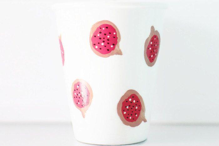 Mok Vijgen - Hand geschilderd Originele Illustratie Vijg - Thee Koffie Beker - Fruit - door PIETenKEES op Etsy https://www.etsy.com/nl/listing/229724918/mok-vijgen-hand-geschilderd-originele