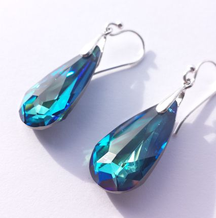 One of an increasing range of earrings I am making. Swarovski Stones with Sterling Silver findings.