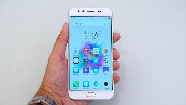 Vivo V5 Plus vs Moto G5 Plus 32GB