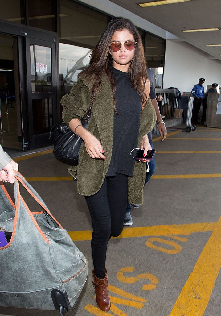 Selena Gomez Airport Style | POPSUGAR Latina#photo-38606715#photo-38606715
