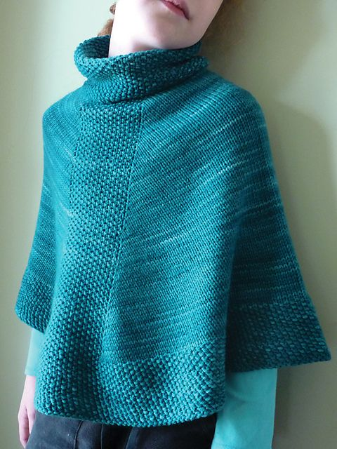 G-knits' Caponcho by Emma Fassio. malabrigo  Rios Superwash yarn. Teal Feather color