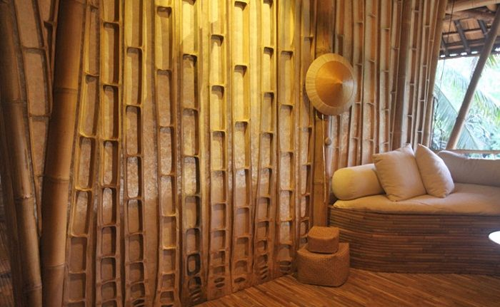 bamboo walls Bamboo walls made from the center slice (cross section) of giant bamboo by Ibuku. www.greenvillagebali.com