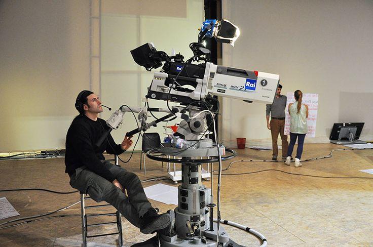 Cameraman al lavoro #raiexpo #ricetteacolori #raigulp #carolinarey #alessandrocirciello #winx #tv #cibo #ricette #gioco #bimbi