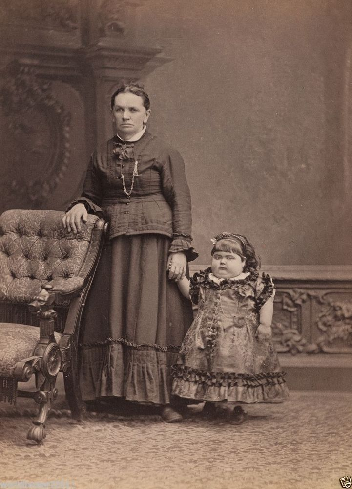 VICTORIAN CURIOSITY THE TINY WOMAN CIRCUS SIDESHOW FREAK SHOW FREAKSHOW #Vintage