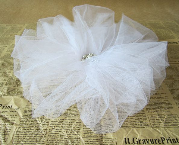 White Simple Floral Tulle Headpiece & Brooch,Pentagon Core,US$55.00