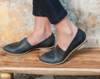 Black Leather Flat Shoes / Women Shoes / by EllenRubenBagsShoes
