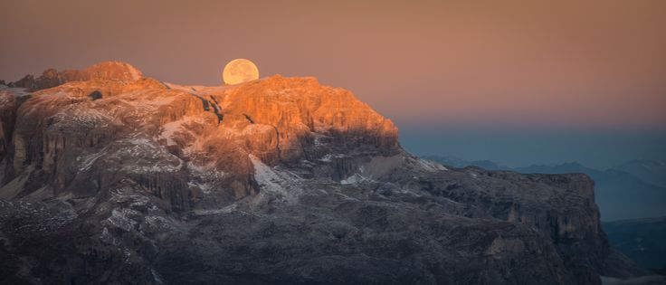 Goodby Super Moon by Guido Pompanin on 500px