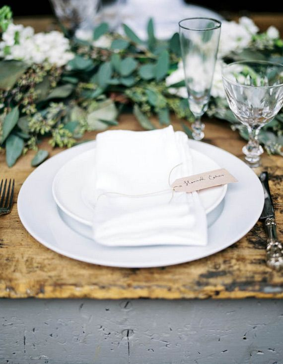 love this white on white setting | Scott Michael Photography | 100 Layer Cake