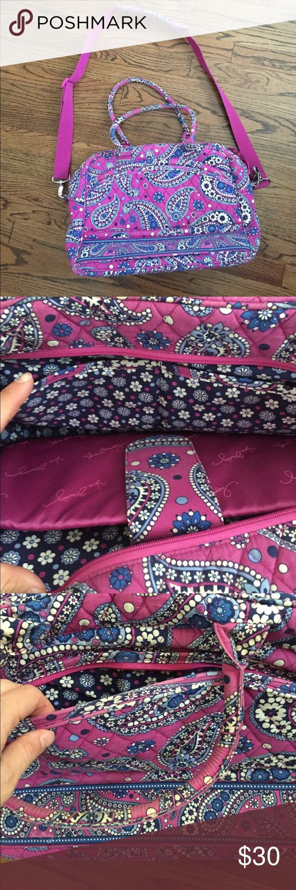 Vera Bradley Laptop Case Great used condition. No rips, tears, or stains. Padded sleeve for laptop. Will fit most laptops. 15 x 10 x 6 Vera Bradley Bags Laptop Bags