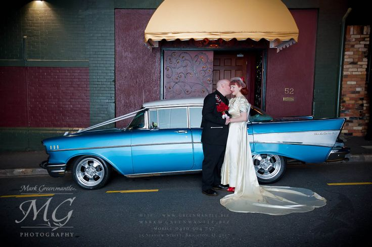 Tivoli Theatre, bride and groom, weddings Brisbane, classic style