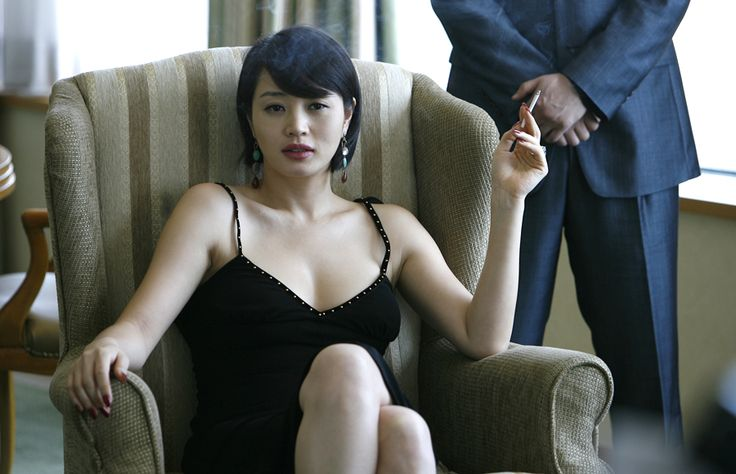 KIM Hye-Soo in TAZZA: THE HIGH ROLLERS (Tajja, 타짜œ, The War of Flowers). Now Available on R1 DVD! © 2006 CJ Entertainment Inc. and IM Pictures Corp.