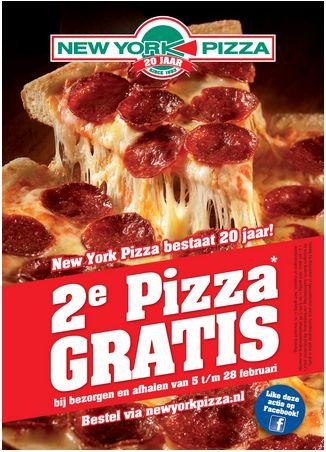 Sterk: Natuurlijk zie je gelijk waar het over gaat, de pizza. Ook valt het new york pizza logo gelijk op. En de dikke letters van 2e pizza gratis, kan je natuurlijk ook niet omheen. Zwak: Er zou we iets meer over de pizza's kunnen worden gezegd.