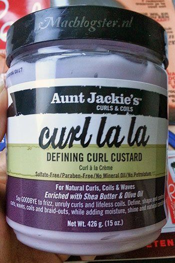 This product adds moisture & makes my hair look healthy. Do read my Aunt Jackie's Curl La La: defining curl custard review.