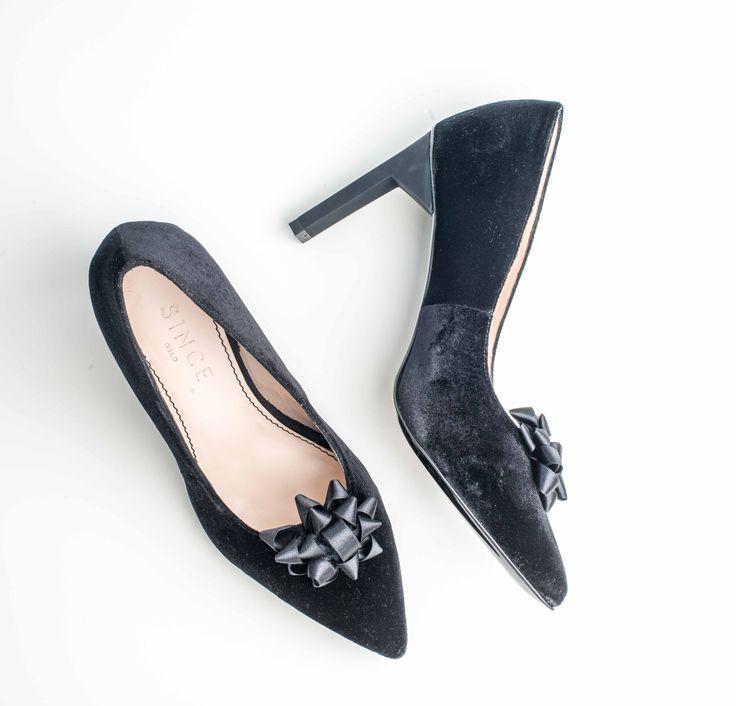 Stunning black velvet high heels from www.since.no