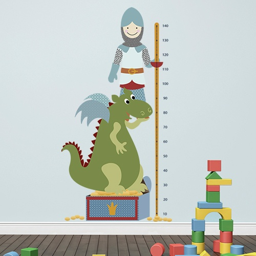 Messlatte Ritter - Heute treten Ritter und Drache mal nicht gegeneinander an. An der Lanze befindet sich eine Messlatte, damit kleine Helden sehen können, wie groß sie schon sind.