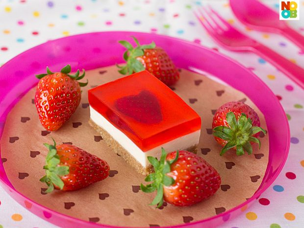 Strawberry Jelly Hearts Cheesecake Recipe - Noob Cook Recipes