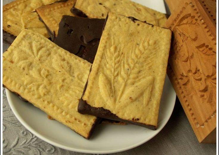 Mogyorós-kardamomos keksz