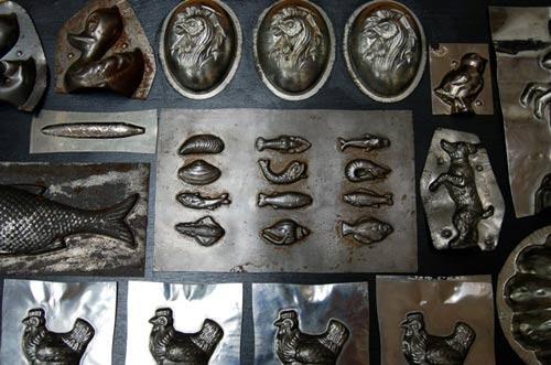 ...of vintage chocolate molds.: Chocolates Takes, Chocolate Molds, Antique Chocolate, Chocolate Ice Cream, Chocolate Candy, Collection