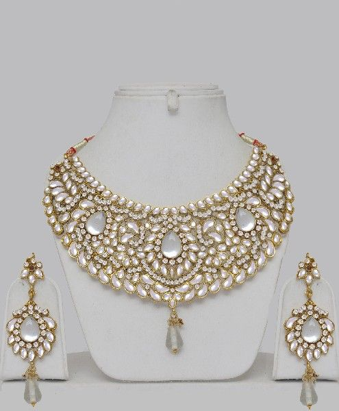 Bollywood Kundan Hand Made Jewelry Set