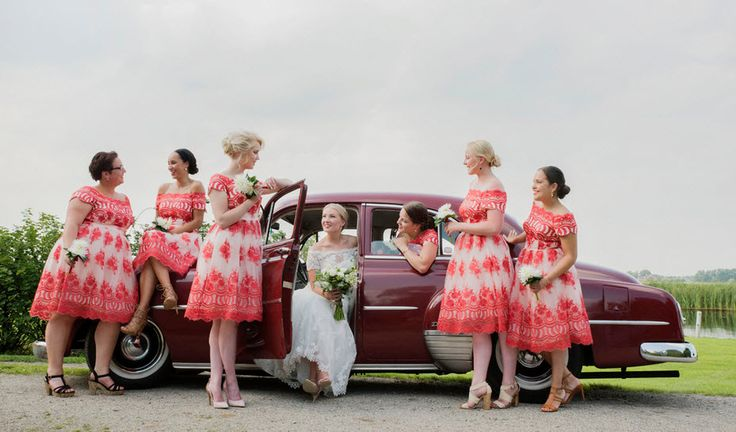 Bridesmaids Best Friends. Cuban Farm Wedding. So proud of our beautiful weddingstyle. It was a magical day. The bridesmaids their dresses are from Chi Chi London and my dress is from La Sposa. Look at my weddingblog: http://www.margriet-fotografie.nl/blog/tess-jairs-wedding