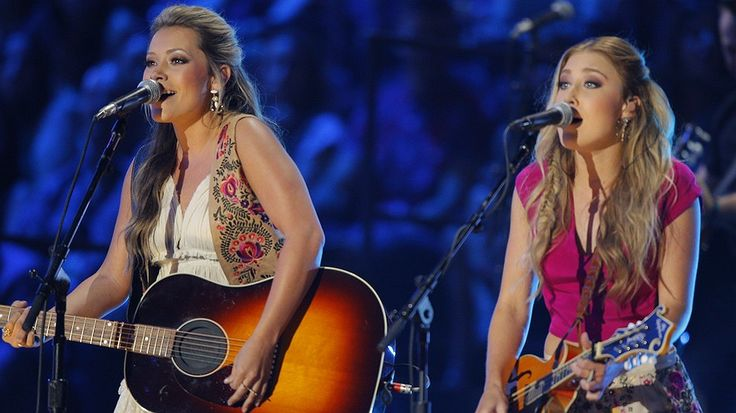 Newsela | Country radio stations are not playing as many songs by female singers